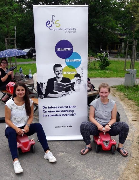 Rauf auf die Bobbycars! Die U2 der EFS beim Internationalen Kindertag auf dem Großspielplatz Lerchenstraße