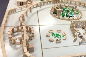 Bauen und Legen – ein Bericht über den praxisorientierten Unterricht im Modul 5